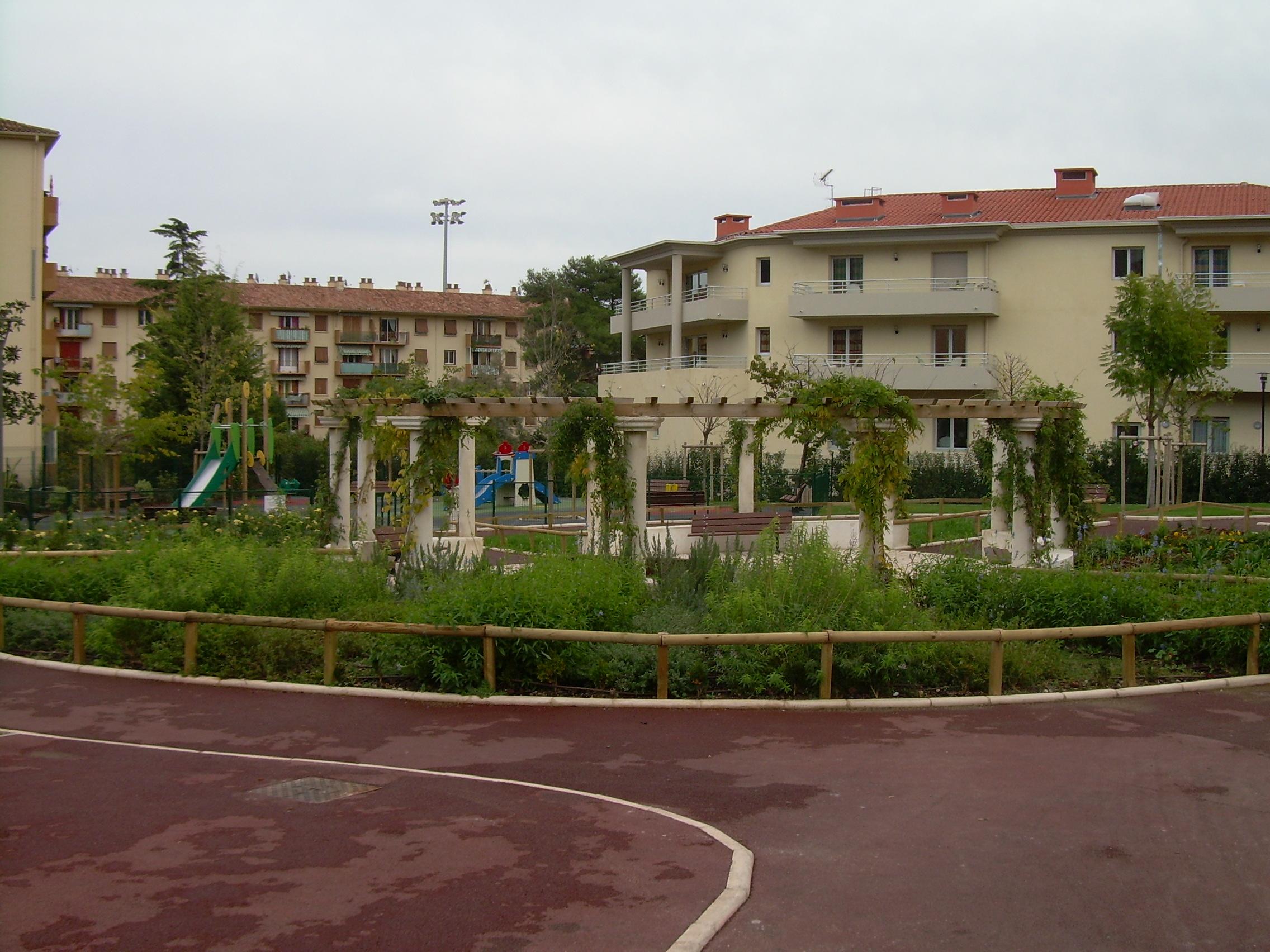 Jardins publics site officiel de la ville de vallauris for Le jardin cannes